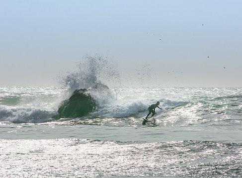 surf-en-playa-centinela